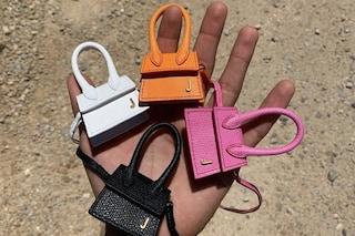 Mini bags, così piccole da poter stare in una mano: la tendenza per la Primavera/Estate 2020