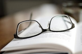 Come pulire gli occhiali da vista e perché preferirli alle lenti a contatto in tempi di Coronavirus