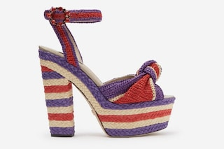 Plateau mania: per la Primavera/Estate 2020 sono di moda i sandali con tacco doppio