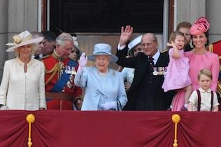 Royal Family, i piatti preferiti dei Windsor: la regina odia l'aglio, Lady Diana amava i peperoni