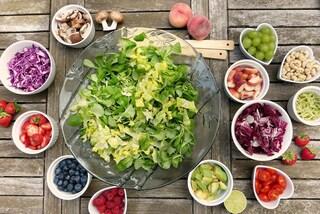Dieta mediterranea: abbassa il colesterolo e migliora lo stato di salute. Lo dimostra la scienza