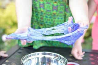 Le 4 ricette dello slime da fare a casa senza colla e con pochi ingredienti