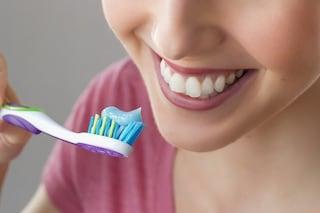 Come prendersi cura dei denti: le precauzioni da seguire quando non si può andare dal dentista