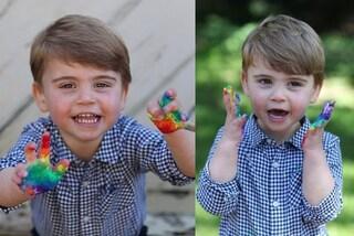 Il principe Louis compie 2 anni, le adorabili foto con mani sporche di pittura e camicia low-cost