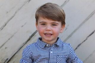 Principe Louis, nelle foto ufficiali c'è un clamoroso errore: è imbarazzo per la Royal Family