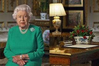 La regina parla alla nazione dal suo studio: c'è un tappeto sopravvissuto all'incendio di Windsor