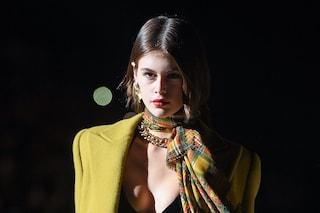 """Saint Laurent non sfila a Parigi e riscrive il calendario della moda: """"La creatività non va forzata"""""""