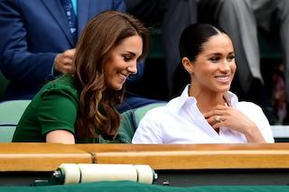 Meghan Markle contro Kate Middleton: il primo litigio è stato causato da un paio di calze
