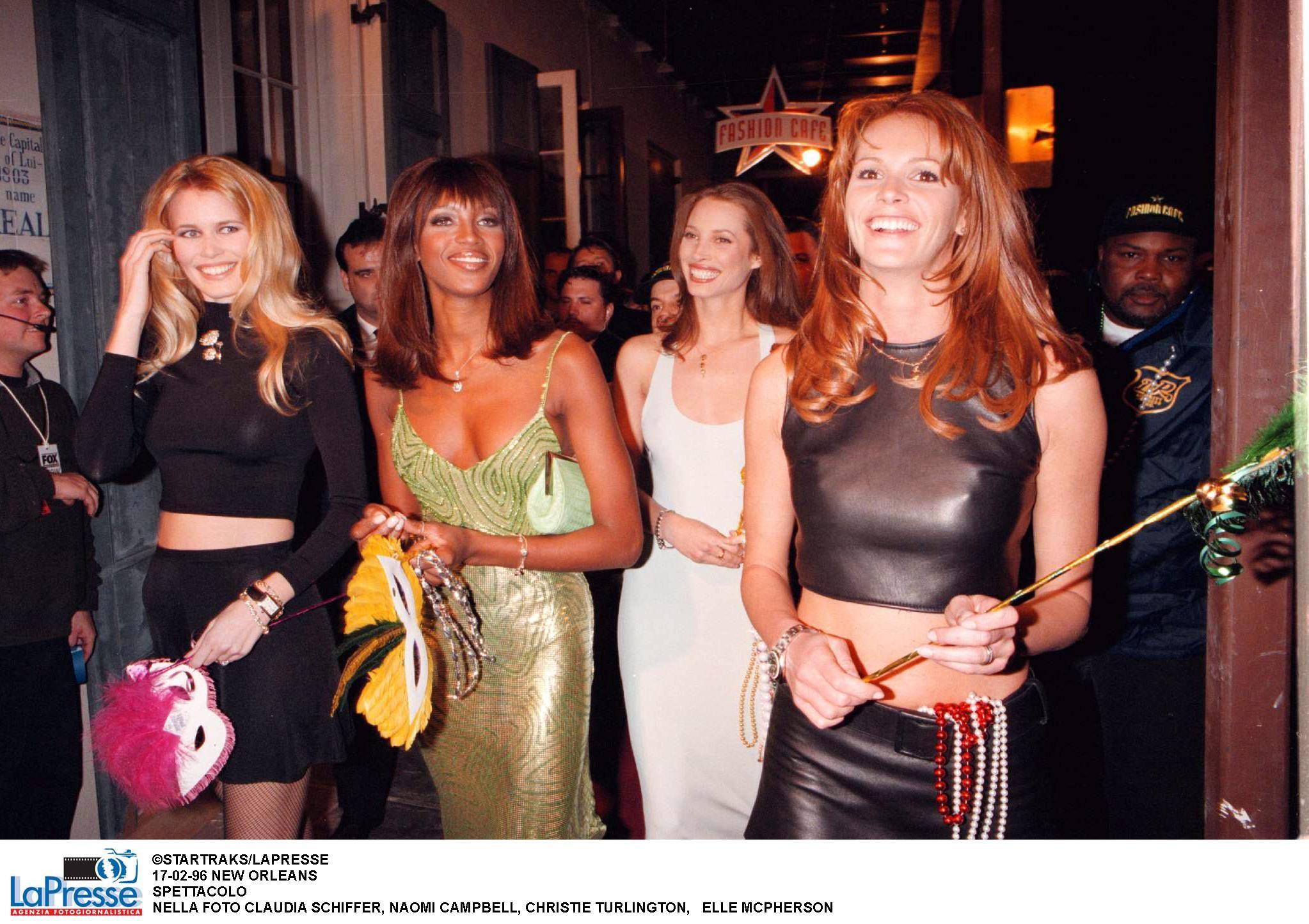 Con le super top degli anni '90 all'apertura del primo Fashion café
