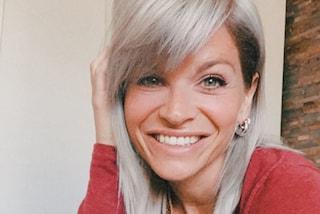 Alessandra Amoroso cambia look dopo la quarantena: ora ha i capelli biondo ghiaccio