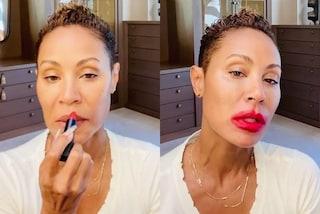 """Jada Pinkett Smith con il rossetto sbavato si ribella agli stereotipi: """"Ama le tue imperfezioni"""""""