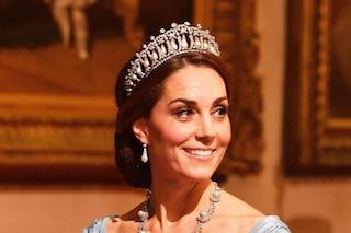 Tiara dei nodi d'amore: il prezioso diadema di Lady Diana oggi indossato da Kate Middleton