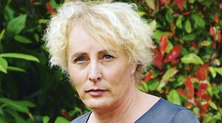 La prima donna transgender a essere eletta sindaco in Francia: ecco chi è Marie Cau