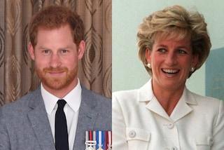 """Harry """"imita"""" Lady Diana, il principe ha indossato la stessa visiera protettiva della mamma"""