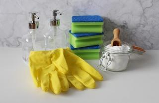 Come disinfettare a fondo la casa con prodotti naturali
