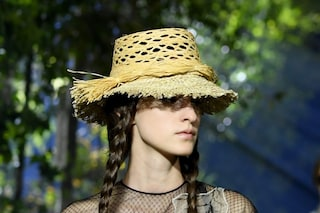 Dalle borse ai cappelli, gli accessori di paglia sono i più trendy dell'estate 2020