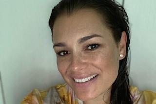 Alena Seredova mamma senza trucco: anche al naturale è sempre bellissima