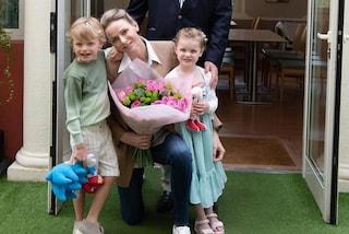 Charlene in jeans, i gemellini in versione casual: la prima uscita post quarantena dei monegaschi