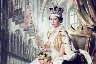 """La regina Elisabetta II celebra i 67 anni di regno: la cerimonia di incoronazione fu un """"incubo"""""""