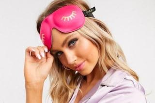 Mascherina da notte, l'accessorio che migliora la qualità del sonno e l'aspetto della pelle