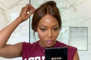 Naomi Campbell rivela i trucchi per avere un viso perfetto: a insegnarglieli è stata sua mamma
