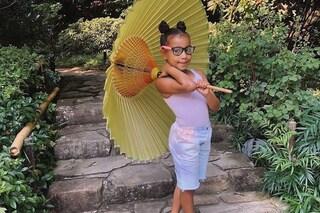 """North West, i 7 anni della piccola icona trendy: per mamma Kim Kardashian è """"stilosa e creativa"""""""