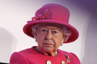 Regina Elisabetta II, le rare volte in cui ha infranto l'etichetta piangendo in pubblico