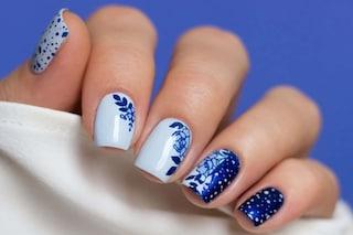 Unghie stamping, i consigli per fare la manicure decorata da sole a casa