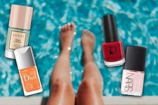 Gli smalti per i piedi dell'estate 2020: tutti i colori da provare