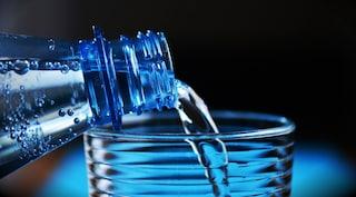 Quanta acqua bere in estate? La nutrizionista risponde