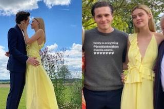 Brooklyn Beckham annuncia il fidanzamento: è mamma Victoria a firmare l'abito giallo di Nicola Peltz