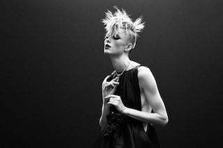 Chanel, svolta di stile per la Digital Fashion Week: la donna punk è un omaggio a Karl Lagerfeld