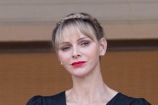 Charlene di Monaco con la frangetta: il cambio look per l'estate è trendy e raffinato
