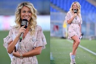 Diletta Leotta, look romantico extra lusso: abbina il minidress a sneakers e orologio da 40mila euro