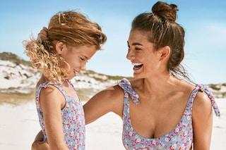 Spopola la moda mini-me: i costumi coordinati per mamma e figlia sono il trend dell'estate 2020