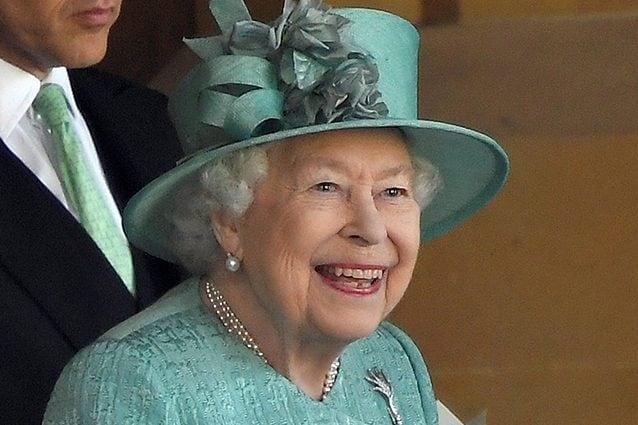 La Regina Elisabetta lascia il trono: la clamorosa decisione dopo 68 anni