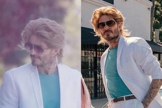 David Beckham cambia look: si mostra con i capelli lunghi e vaporosi ma è solo una parrucca