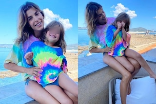 Elisabetta Canalis e Skyler come gemelle: il look mini me versione tie dye è perfetto per l'estate