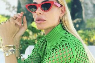 Ilary Blasi e la passione per i gioielli preziosi: al polso bracciali per quasi 40mila euro