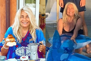 Mara Venier dice addio al trucco in vacanza: la sua estate è trendy tra caftani e costumi interi