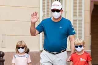 """Giorno della Pulizia Mondiale: i Royals si """"sporcano le mani"""" e raccolgono rifiuti in strada"""