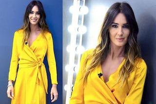Silvia Toffanin a Verissimo spopola con l'abito che sembra d'oro e le onde tra i capelli