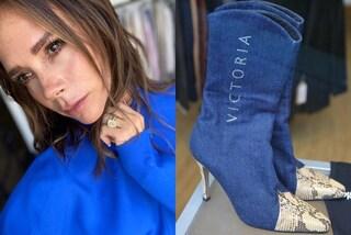 Victoria Beckham, in vendita gli stivali in denim di quando era Posh Spice: costano quasi 5mila euro