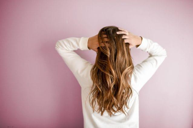 come far crescere i capelli in poco tempo