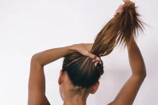 Dal taglio alla spazzola, 10 errori che rovinano i capelli e che commettiamo ogni giorno