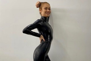 "Olga Kurylenko definita troppo magra, si ribella al body shaming: ""Perché umiliarmi così?"""