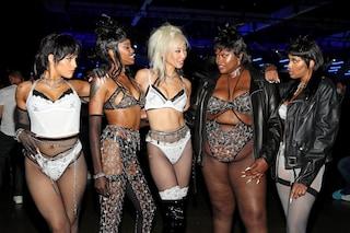 Savage X Fenty di Rihanna: in passerella sfila la sexy lingerie per tutte le taglie