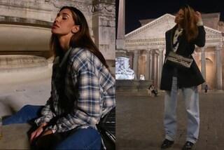 Belén Rodriguez rilancia i jeans larghi: il trend dell'autunno è ispirato agli anni '90