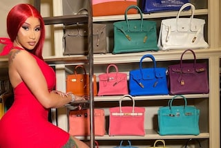 Cardi B mostra la collezione di borse di lusso: ha oltre 20 Birkin bag che valgono una fortuna