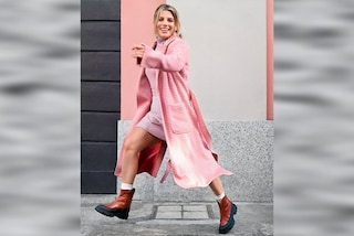 Emma Marrone incanta in rosa, il look total pink per l'autunno è super trendy